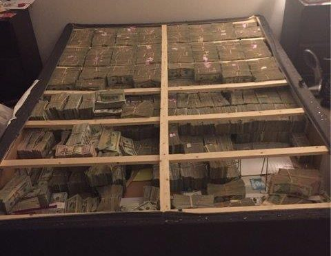 This Is What $20 Million Stuffed In A Mattress Looks Like